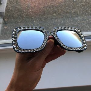 Accessories - 💋Large Bling Inspired Sunnies!💋